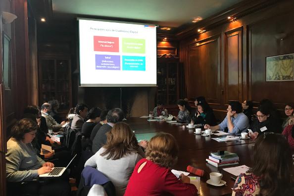 representantes de las instituciones en la primera reunión de la red de ciudadanía digital